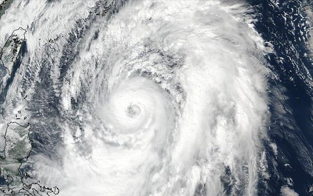ΗΠΑ: Πλησιάζει κυκλώνας – Ο πληθυσμός ετοιμάζεται για καταστροφικό φαινόμενο