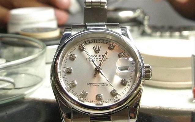 Θύμα του εμπορικού πολέμου τα ελβετικά ρολόγια