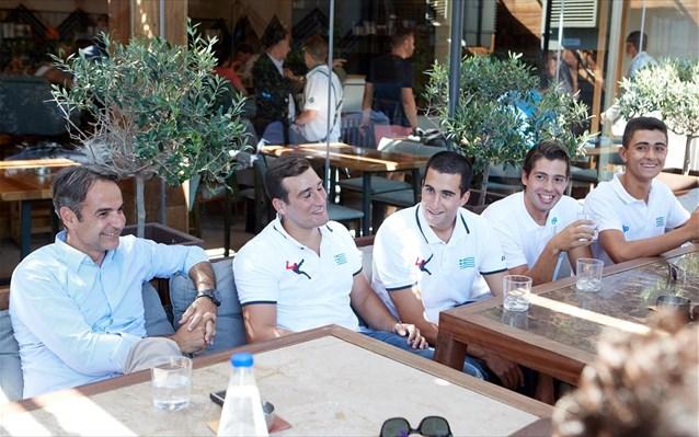 Μητσοτάκης: Συνάντηση με τις εθνικές ομάδες πόλο εφήβων και νέων ανδρών