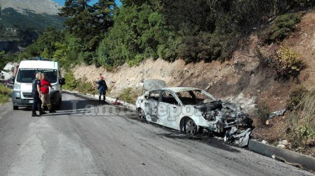 Φθιώτιδα: Στις φλόγες αυτοκίνητο σε Μοναστήρι που γιόρταζε