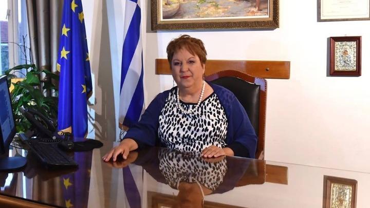 Η δήμαρχος Καβάλας μιλάει για τον γάμο των δύο νέων και την απάντηση του πρωθυπουργού