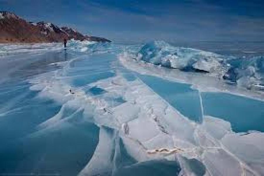 Λιώνει ο αρχαιότερος και ο πιο παχύς πάγος του Βόρειου πόλου