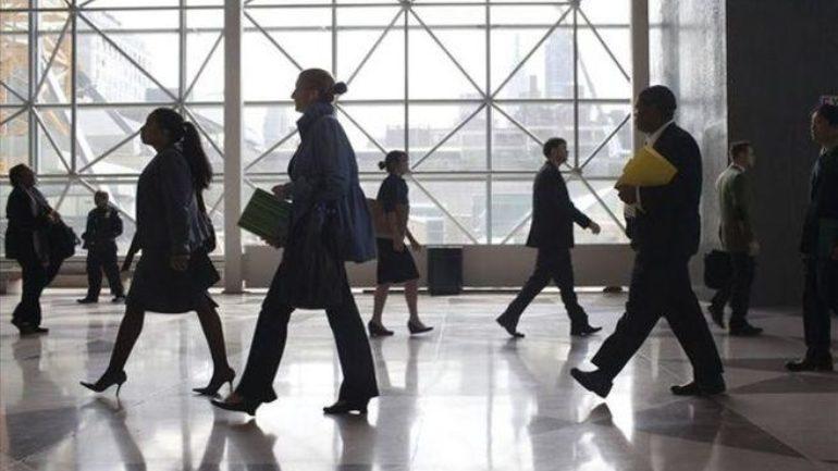 Μπαράζ ελέγχων κατά της αδήλωτης εργασίας