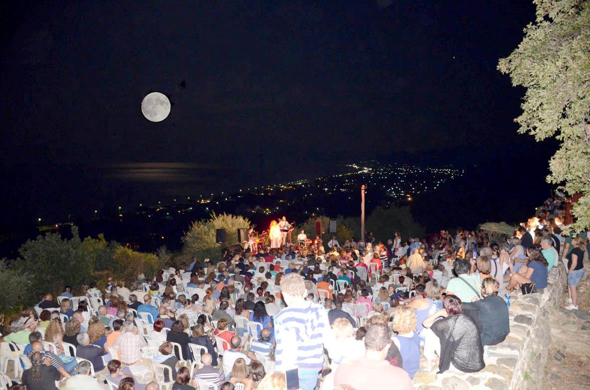 Δύο Φεγγάρια για μια Πανσέληνο της Μερσίνας Τσαντοπούλου-Φωτογραφίες Σπύρος Τσαντόπουλος (2)