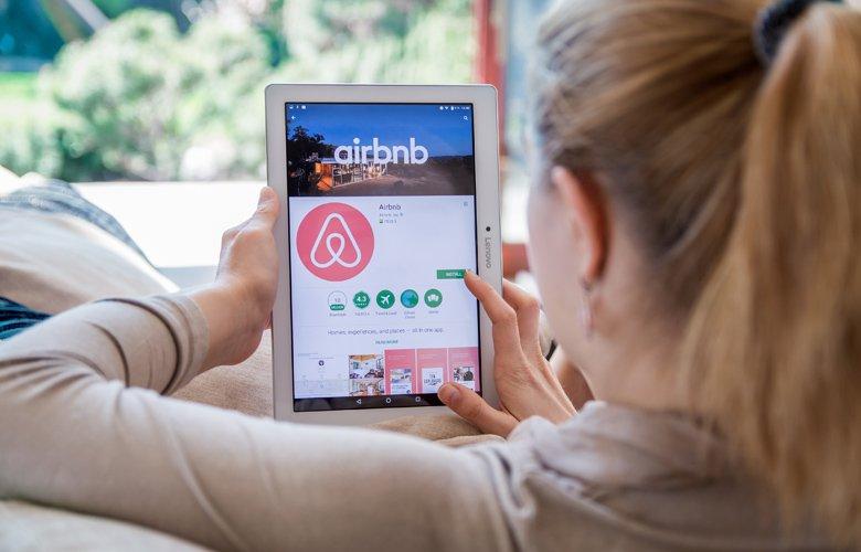 Έρχεται το ηλεκτρονικό μάτι για τα ακίνητα του Airbnb αλλά και πρόστιμα έως 5.000 ευρώ