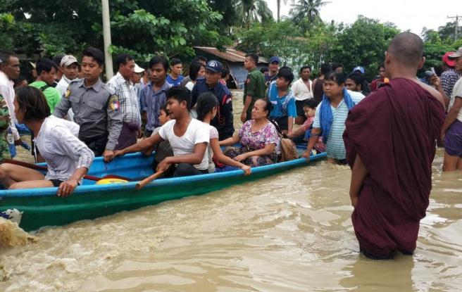 Πανικός στη Μιανμάρ: Κατέρρευσε φράγμα – Ξεσπιτώθηκαν 50.000 άνθρωποι