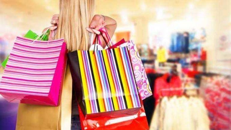 Μείωση πωλήσεων στις θερινές εκπτώσεις για το 60% των επιχειρήσεων