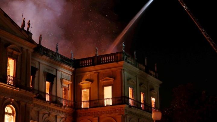 Βραζιλία: Πυρκαγιά τεραστίων διαστάσεων κατέστρεψε το Εθνικό Μουσείο
