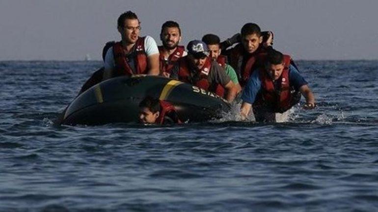 Χιλιάδες πρόσφυγες και μετανάστες στα ελληνικά νησιά