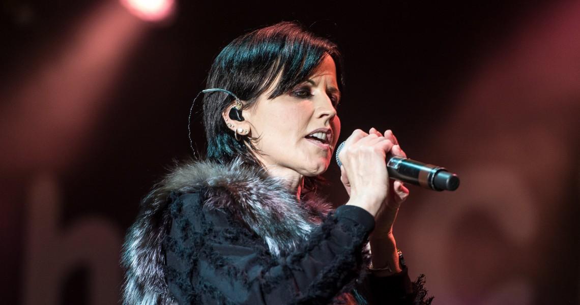 Πνιγμός υπό την επήρεια αλκοόλ, η αιτία θανάτου της τραγουδίστριας των Cranberries