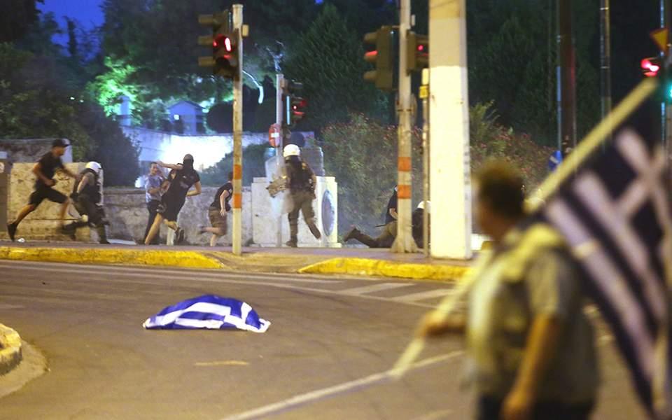 Γνωστός στις αρχές ένας από τους συλληφθέντες για τα επεισόδια στη Θεσσαλονίκη