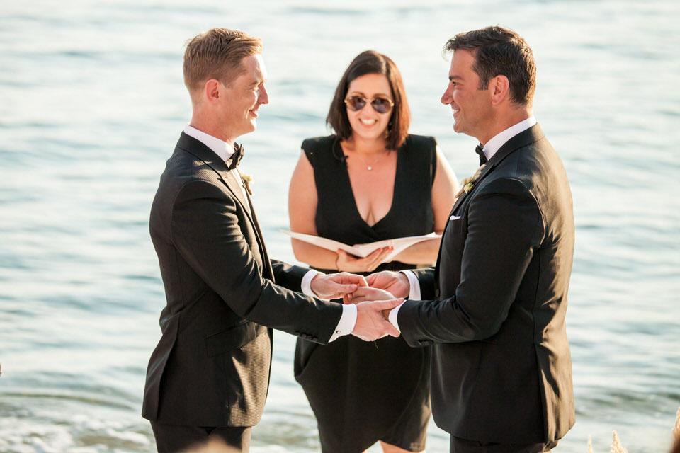 Ο πρώτος γκέι γάμος στο Βόλο (φωτ.)