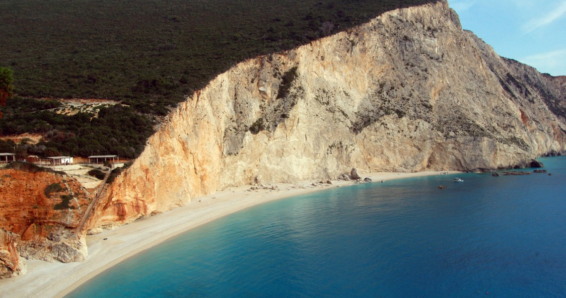 «Κίνδυνος κατολισθήσεων» σε ακόμα έξι παραλίες του Ιονίου