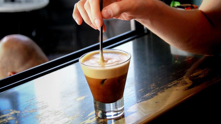 Κύκλωμα «σέρβιρε» νοθευμένο καφέ στην αγορά