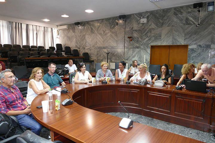 Εντυπωσιάστηκαν από την αγορά της Λάρισας οι Σέρβοι δημοσιογράφοι
