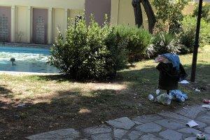 Σκουπίδια στο πάρκο του Αλκαζάρ (φωτ.)