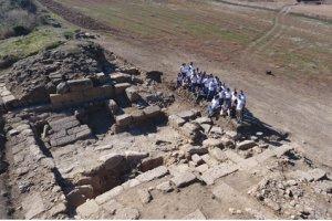 Ξενάγηση στο ανασκαφικό πεδίο της Αρχαίας Σκοτούσσας