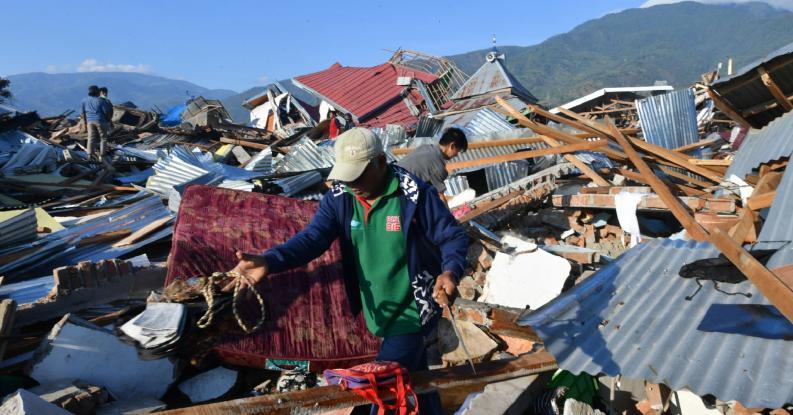 Φονικό τσουνάμι στην Ινδονησία: Στους 844 οι νεκροί