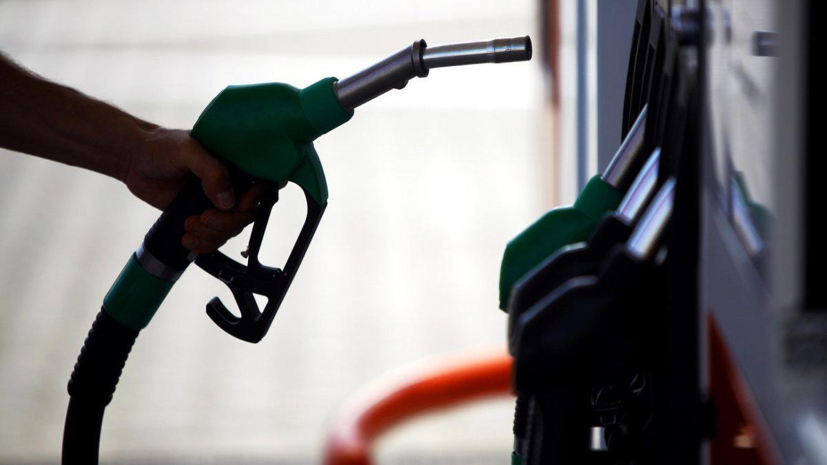 Καύσιμα: Καινούργια σήμανση σε αντλίες και αυτοκίνητα