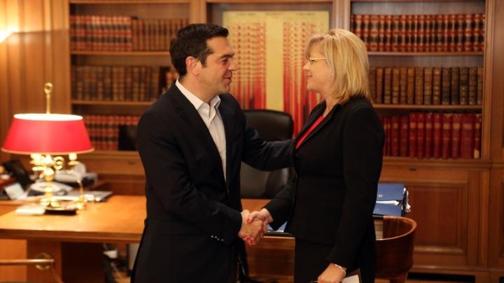 Συνάντηση Αλ. Τσίπρα με Κορ. Κρέτσου – Στην Κάρλα την Παρασκευή η Ευρωπαία Επίτροπος