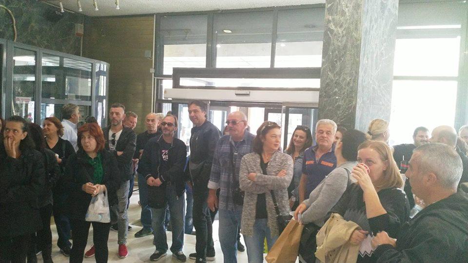 Απεργία και συγκέντρωση δημοτικών υπαλλήλων για τα ΒΑΕ