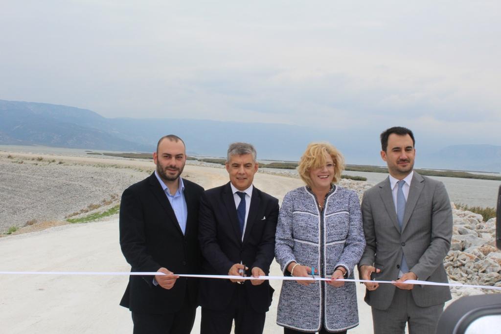 Το μεγαλύτερο περιβαλλοντικό έργο στα Βαλκάνια η Λίμνη Κάρλα είναι πραγματικότητα