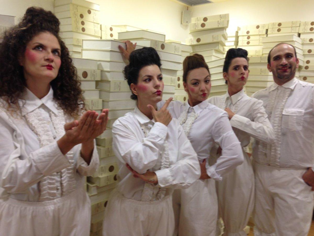 Στο Θέατρο του Μύλου η θεατρική ομάδα κωφών «Τρελά Χρώματα»