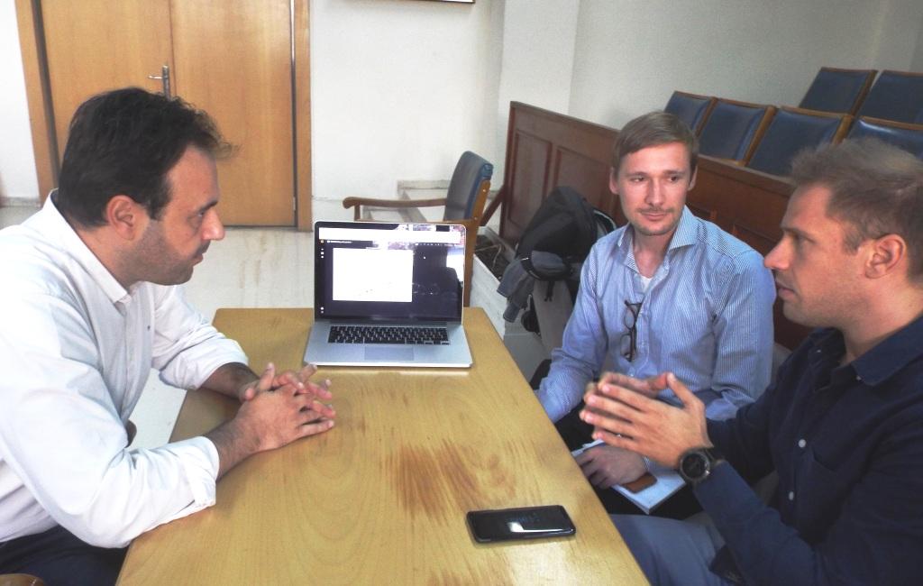 Προς εξεύρεση λύσεων για τη στάθμευση στα Τρίκαλα
