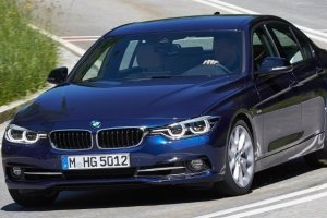 Με έξι εκδόσεις κινητήρων διατίθενται η νέα σειρά 3 της BMW