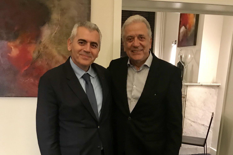 Ο Μάξιμος Χαρακόπουλος με τον Έλληνα Επίτροπο Δημήτρη Αβραμόπουλο