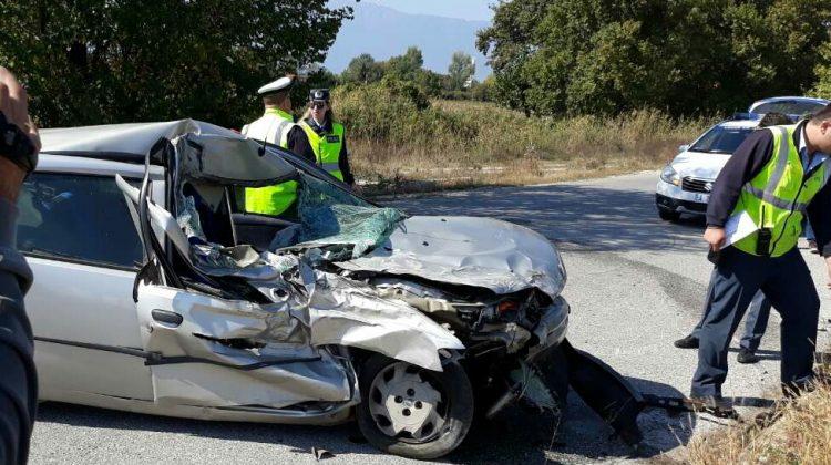 Σφοδρή σύγκρουση οχημάτων στον περιφερειακό Τρικάλων