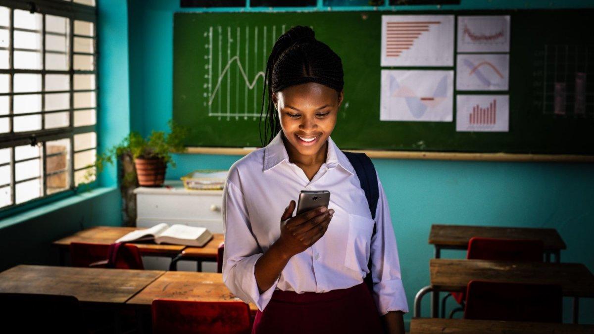 Το Ίδρυμα Vodafone και το Girl Effect συνδέουν 7 εκατομμύρια ευάλωτες έφηβες σε οκτώ χώρες για ένα καλύτερο μέλλον
