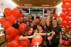 Η Vodafone εγκαινιάζει δυο νέα καταστήματα σε Αθήνα και Θεσσαλονίκη