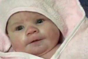 Σοκ: Βρέφος 5 μηνών πέθανε στον ύπνο του όταν τυλίχτηκε στην κουβέρτα του