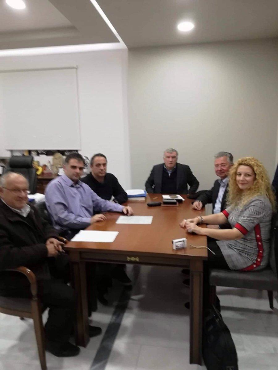Συνάντηση τριτέκνων με Θ. Νασιακόπουλο για μείωση δημοτικών τελών