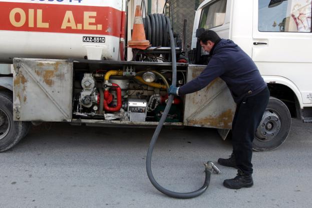 Μειώνεται η τιμή στο πετρέλαιο θέρμανσης – Τι γίνεται με το επίδομα