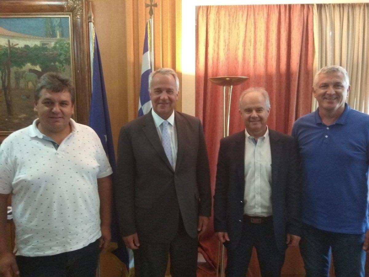 Συνάντηση του Μάκη Βορίδη με τον νέο Δήμαρχο Τεμπών και εκπροσώπους συνεταιριστικών οργανώσεων