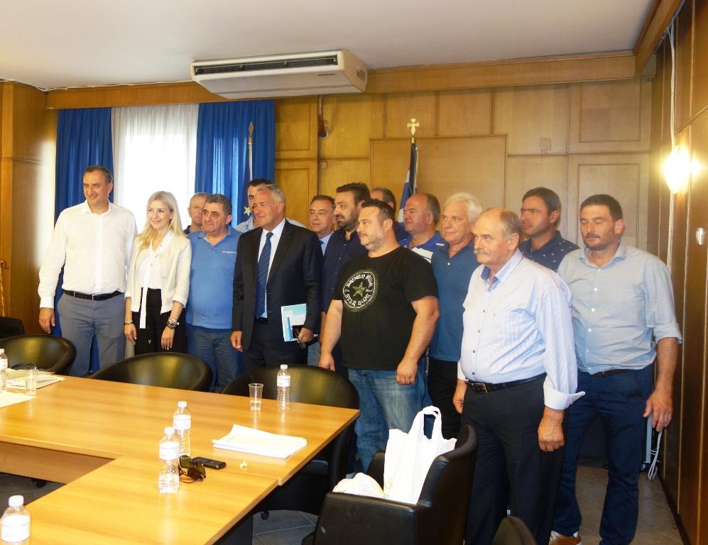 Εκπρόσωποι της Ομοσπονδίας Κτηνοτρόφων Θεσσαλίας συναντήθηκαν με τον Μάκη Βορίδη