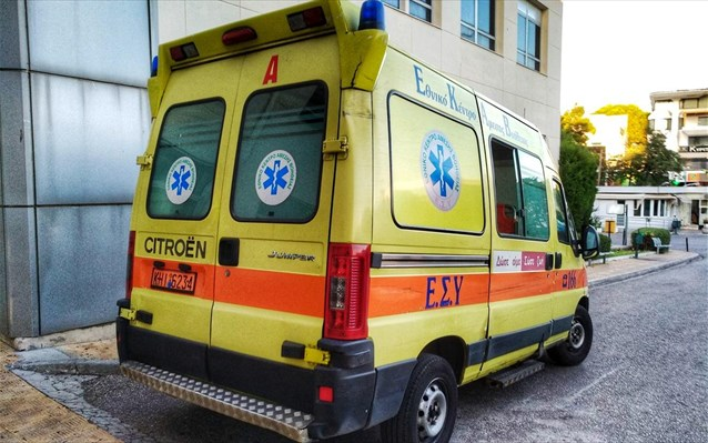 Οδηγός στα Τρίκαλα έχασε τις αισθήσεις και έπεσε πάνω σε δυο οχήματα