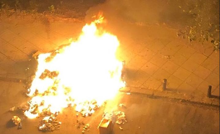 Μπαράζ εμπρησμών χθες βράδυ στα Τρίκαλα