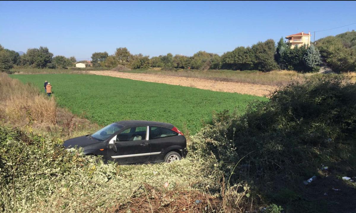 """Τρίκαλα: """"Απογειώθηκε"""" αυτοκίνητο – Από θαύμα σώθηκε ο οδηγός"""