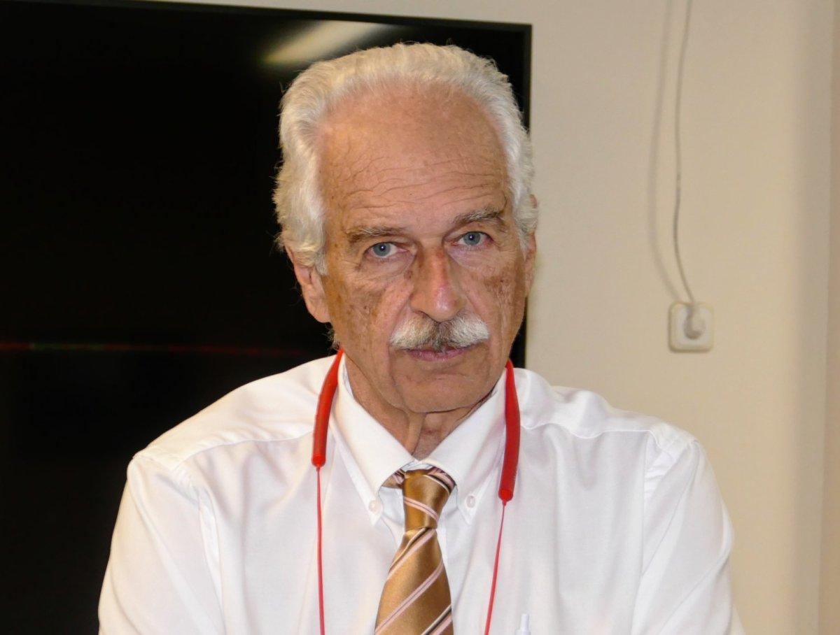 Ο κ. Κωνσταντίνος Γουργουλιάνης είναι Διευθυντής της Πνευμονολογικής Κλινικής του Πανεπιστημιακού Νοσοκομείου Λάρισας
