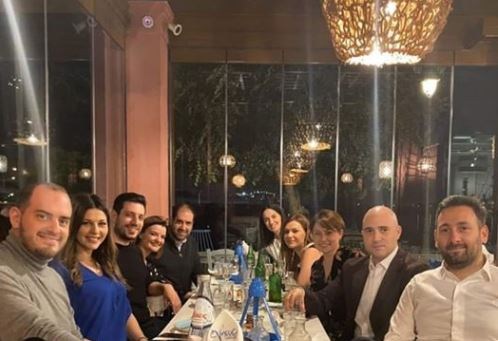 Υπουργοί και Βουλευτές της ΝΔ έφαγαν όλοι μαζί έξω, την ώρα που ζητούσαν να μείνουμε σπίτι (ΦΩΤΟ-VIDEO)