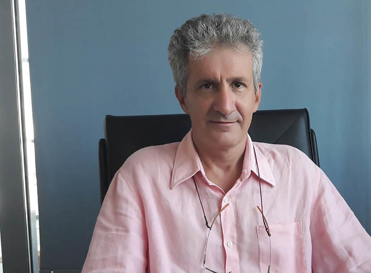 Ο κ. Μιχάλης Ζουμπουλάκης είναι Καθηγητής του Πανεπιστημίου Θεσσαλίας